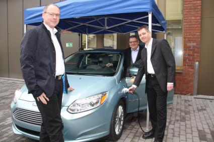Ford in Saarlouis spendet Ford Focus Electric an htw saar (FOTO)