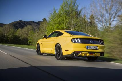 Ford Performance Days: Exklusive Fahrsicherheitstrainings mit dem Ford Mustang GT Fastback (FOTO)
